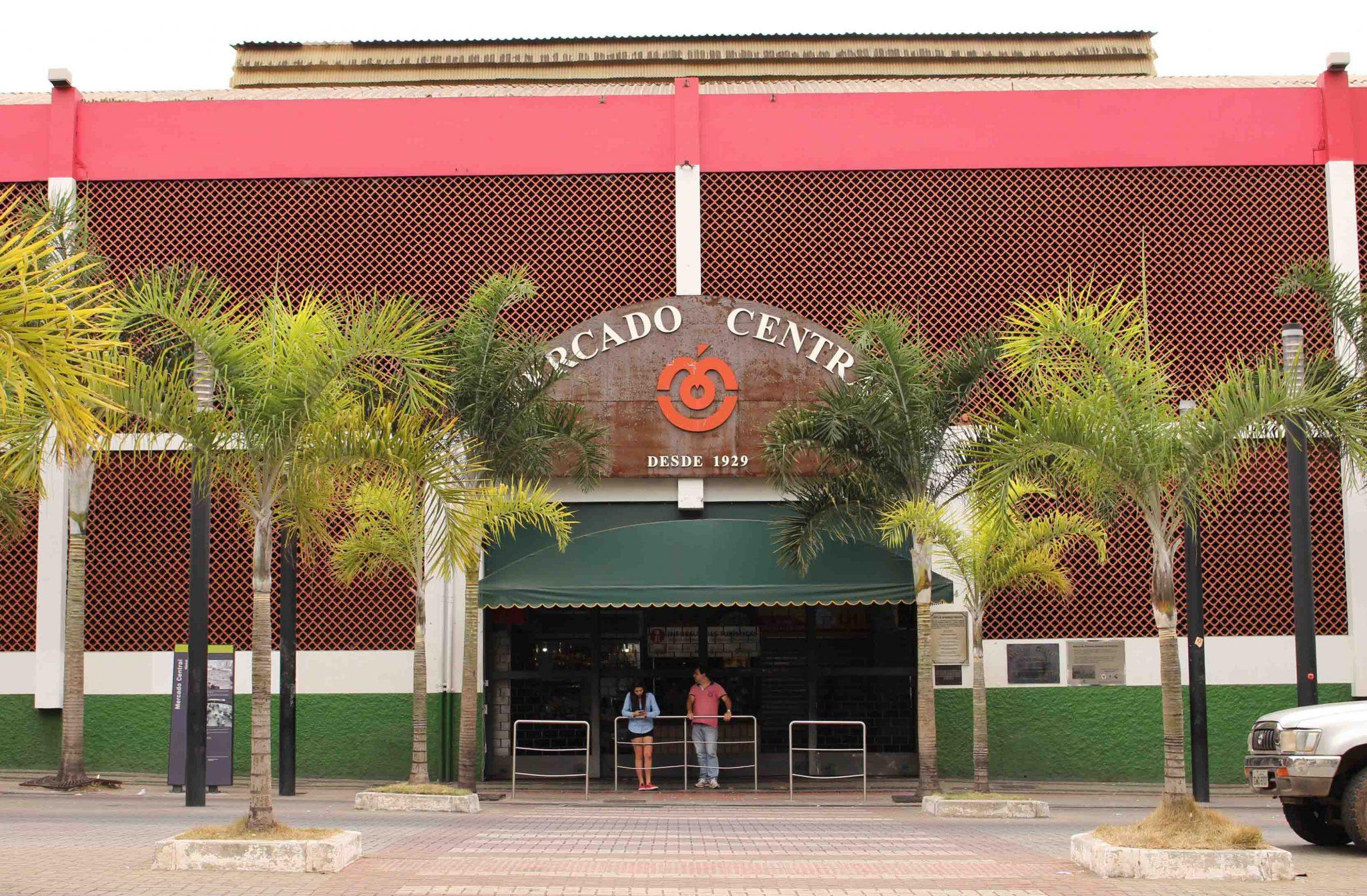 Fachada da entrada principal do Mercado Central, na Av. Augusto de Lima | Foto: Marden Couto / Turismo de Minas