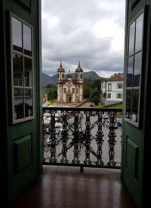 Vista para a Igreja de São Francisco de Assis, em Ouro Preto - Foto: Marden Couto / Turismo de Minas - dez17