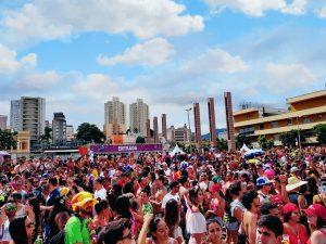 bloco de rua no carnaval de BH - credito marden couto - turismo de minas